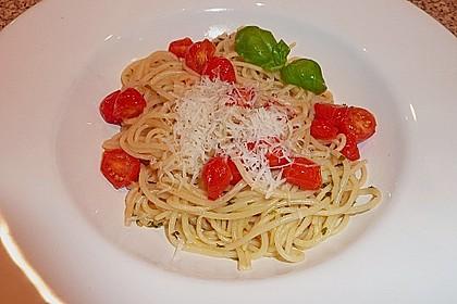 Spaghetti mit Cocktailtomaten 24