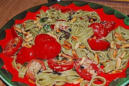 Spaghetti mit Cocktailtomaten 54