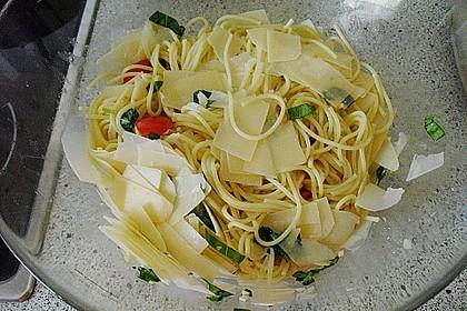Spaghetti mit Cocktailtomaten 67