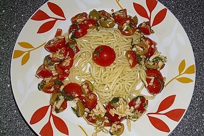 Spaghetti mit Cocktailtomaten 48