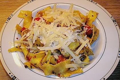 Spaghetti mit Cocktailtomaten 56