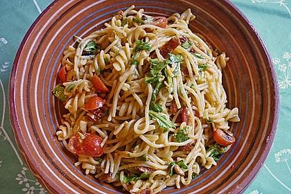 Spaghetti mit Cocktailtomaten 30