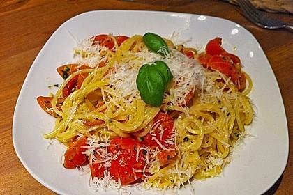Spaghetti mit Cocktailtomaten 21