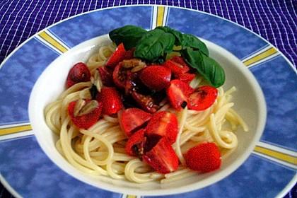 Spaghetti mit Cocktailtomaten 70