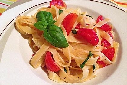 Spaghetti mit Cocktailtomaten 12