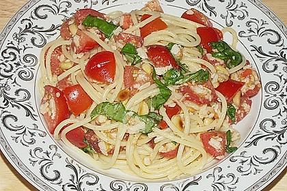 Spaghetti mit Cocktailtomaten 50