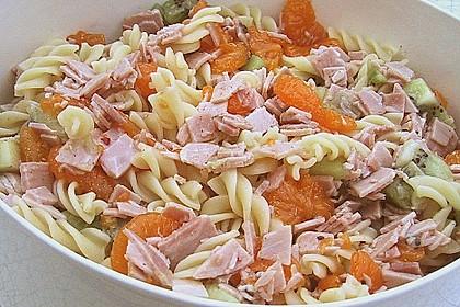 Nudelsalat mit Früchten 1