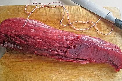 Rinderfilet im Baconmantel an grünem Spargel und Schmortomaten 4