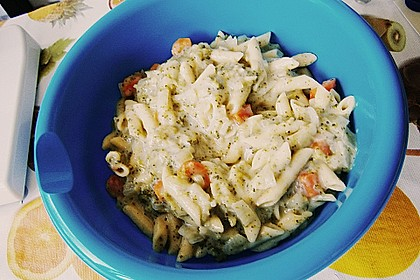 Pasta mit Kräutersauce 23