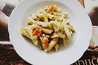 Pasta mit Kräutersauce 14