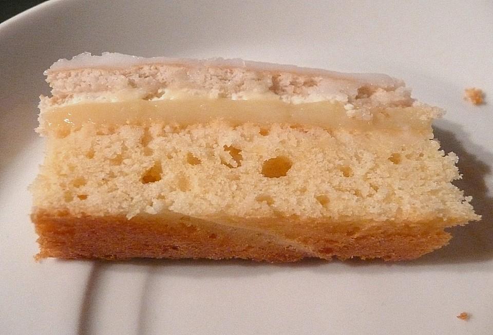 Biskuit kuchen mit butterkeksen