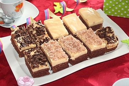 Schokokuchen mit Pudding und Kokosraspel