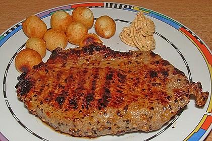 Mariniertes Steak mit Grillkartoffel und Gemüsespieß 6