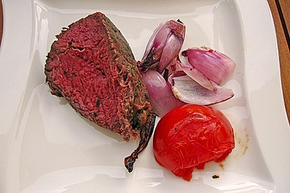 Mariniertes Steak mit Grillkartoffel und Gemüsespieß 3