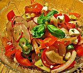 Gurken, Tomaten, Feta Salat (Bild)