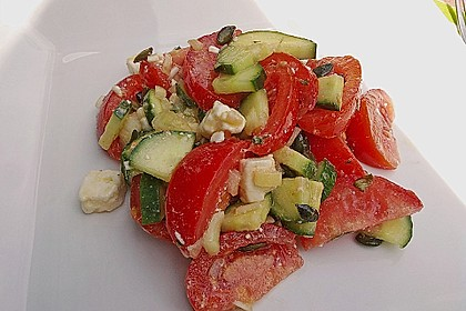 Gurken, Tomaten, Feta Salat 7