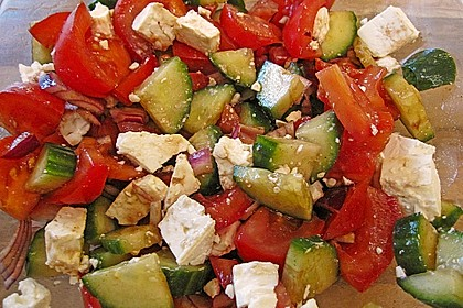 Gurken, Tomaten, Feta Salat 6