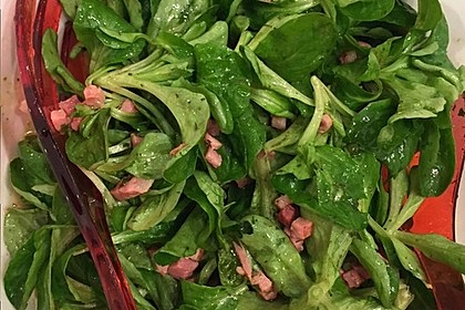 Feldsalat mit Sahne-Speck-Sauce 16