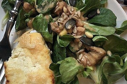 Feldsalat mit Sahne-Speck-Sauce 36