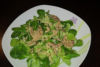 Feldsalat mit Sahne-Speck-Sauce
