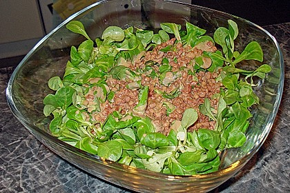 Feldsalat mit Sahne-Speck-Sauce 40