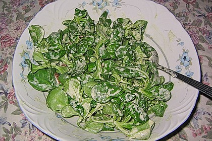 Feldsalat mit Sahne-Speck-Sauce 42
