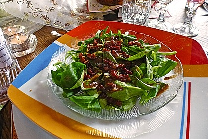 Feldsalat mit Sahne-Speck-Sauce 22