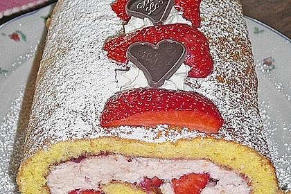 Biskuitrolle mit Erdbeer-Quark-Sahne Füllung 27