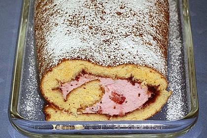 Biskuitrolle mit Erdbeer-Quark-Sahne Füllung 31