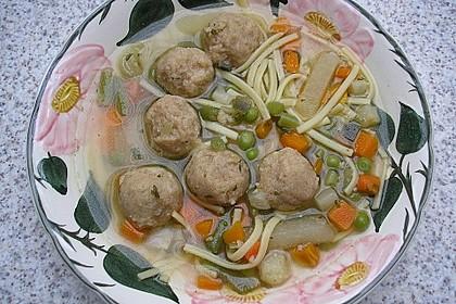 Klare bunte Gemüsesuppe mit Einlage aus kleinen Semmelklößchen 1