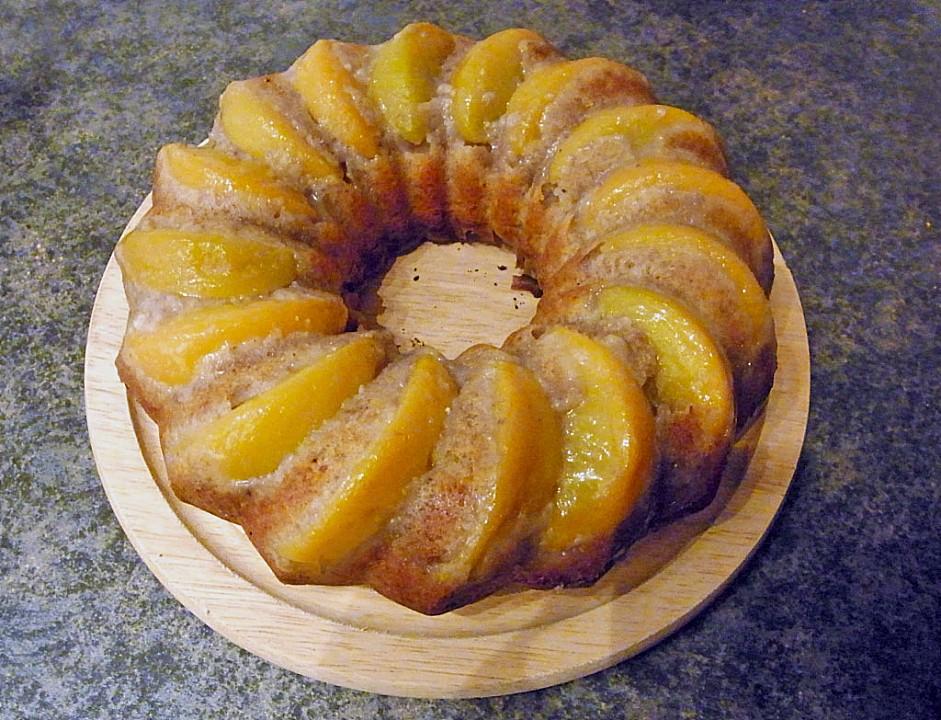 Haselnuss kuchen mit pfirsich
