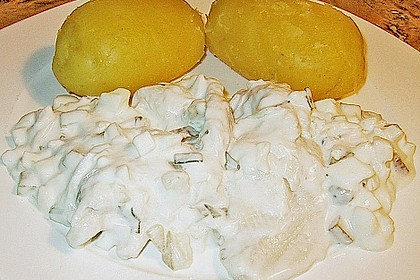 Heringsfilet mit Zwiebel, Gewürzgurke und Apfel 1
