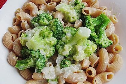 Rigatoni mit Brokkoli in Kokossauce 1