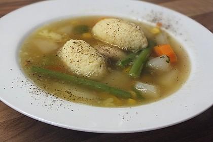 Bohnen-Gemüseeintopf mit Grießklößchen