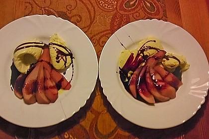 Birnen in Rotwein an Vanilleeis 16