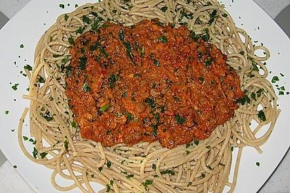 Linsenbolognese mit Pasta und Frühlingszwiebeln 10