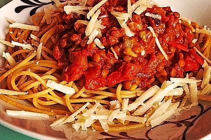 Linsenbolognese mit Pasta und Frühlingszwiebeln 3