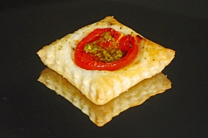 Blätterteig - Tomaten - Quadrate 240