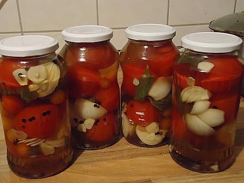w rztomaten oder eingelegte frische party tomaten rezept mit bild. Black Bedroom Furniture Sets. Home Design Ideas