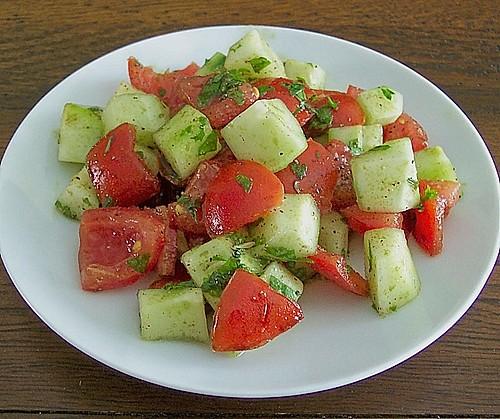 tomaten gurken salat rezept mit bild von dieter1954. Black Bedroom Furniture Sets. Home Design Ideas