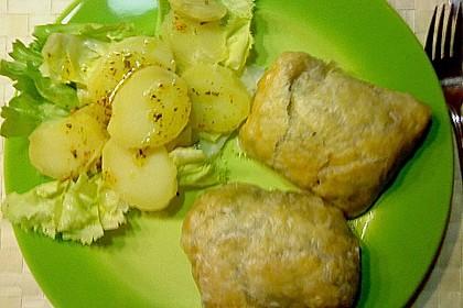 Schweinefilet in Schinkenmantel mit Spinat - Pilz - Mozarellafüllung in Blätterteig 0