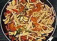Italienische Nudelpfanne mit Hackfleisch und Gemüse
