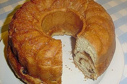 Kärntner Reindling mit  karamellisierter Zuckerkruste 8