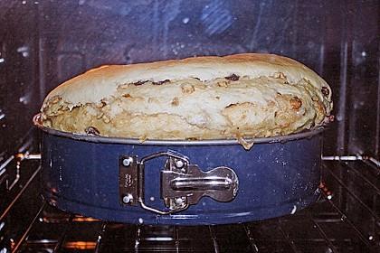 Kärntner Reindling mit  karamellisierter Zuckerkruste 59
