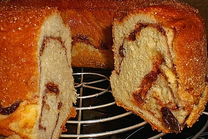 Kärntner Reindling mit  karamellisierter Zuckerkruste 10