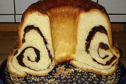 Kärntner Reindling mit  karamellisierter Zuckerkruste 7