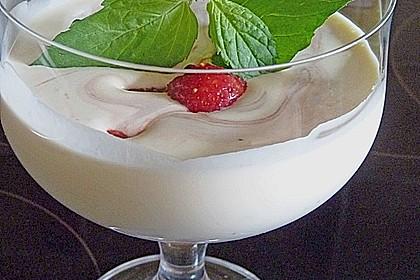 Gepfefferte Erdbeeren an marmorierter Mascarponecreme 1