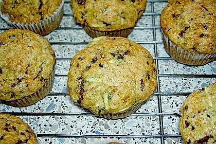 Zucchini Muffins mit saurer Sahne 17