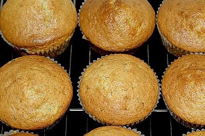 Zucchini Muffins mit saurer Sahne 11