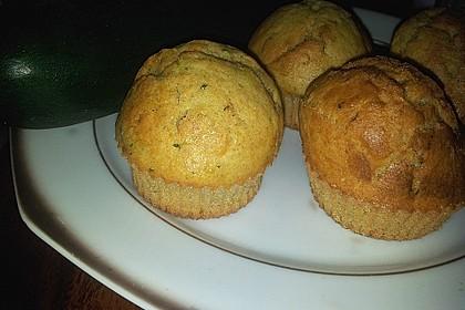 Zucchini Muffins mit saurer Sahne 12